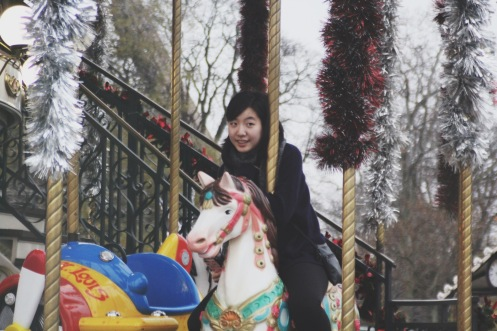 I love love love carousels. I always have since I was a child. It's such a magical moment just to sit on the carousel and listen to the childish music, and hope the ride never stops.